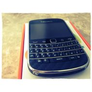 BlackBerry Blackberry BB 9900 Bold Touch Unlocked Phone with Touch Screen, QWERTY Keyboard, 5MP Camera and Blackberry OS 7